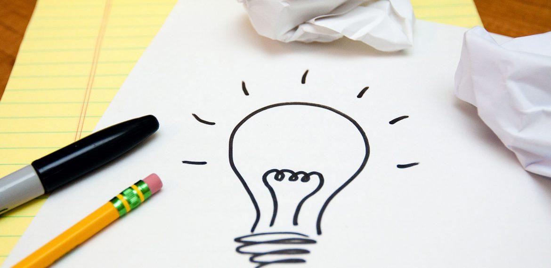 Desenho de lâmpada que simboliza ideias e criatividade