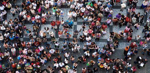 Multidão de pessoas para representar personas